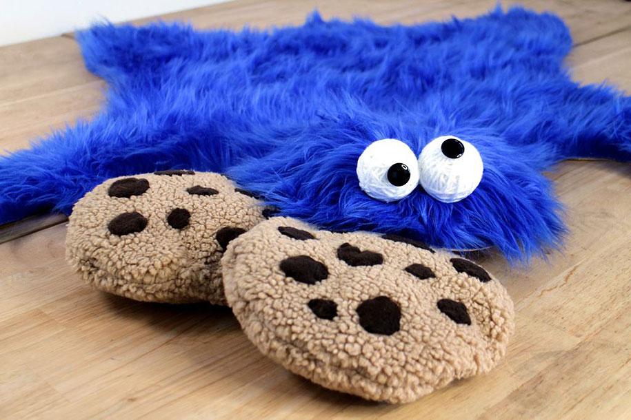 sesame-street-DIY-cookie-monster-rug-pillows-mikeasaurus-04