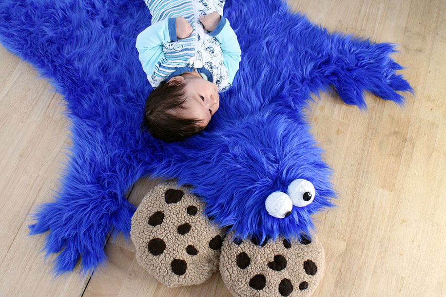 sesame-street-DIY-cookie-monster-rug-pillows-mikeasaurus-05 (1)