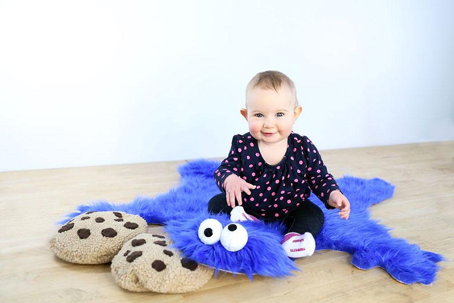 sesame-street-DIY-cookie-monster-rug-pillows-mikeasaurus-06 (1)