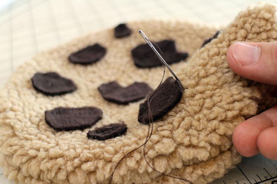 sesame-street-DIY-cookie-monster-rug-pillows-mikeasaurus-17