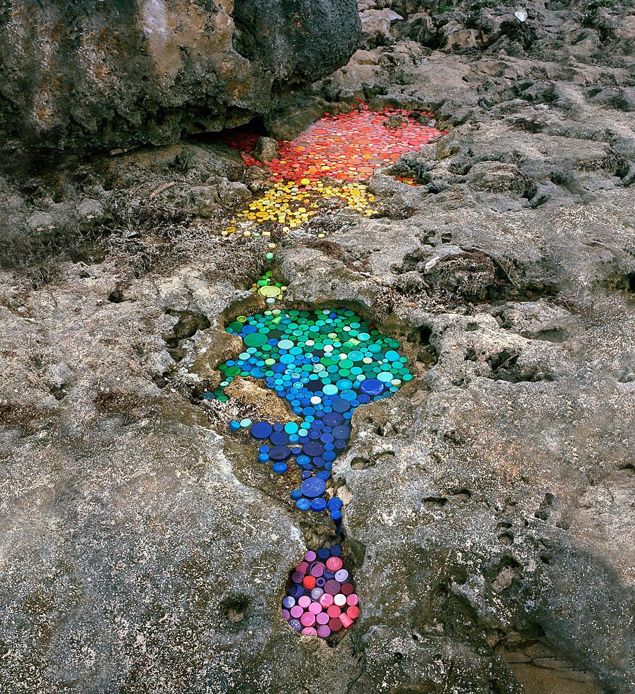 trash-installations-washed-up-alejandro-duran-06