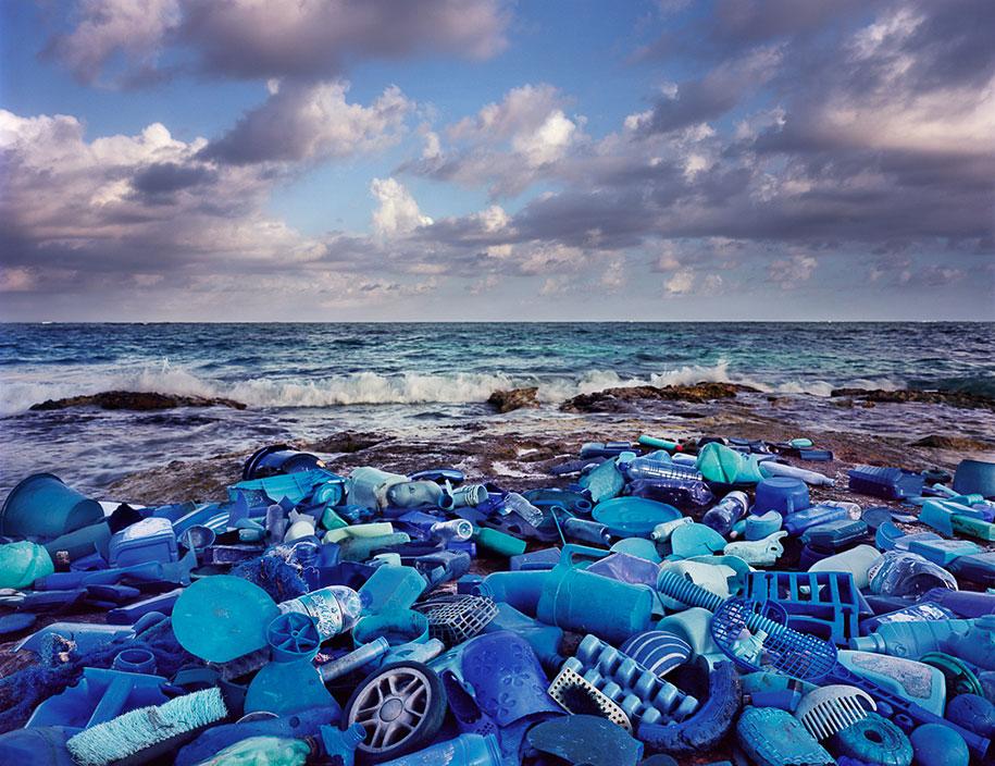 trash-installations-washed-up-alejandro-duran-22