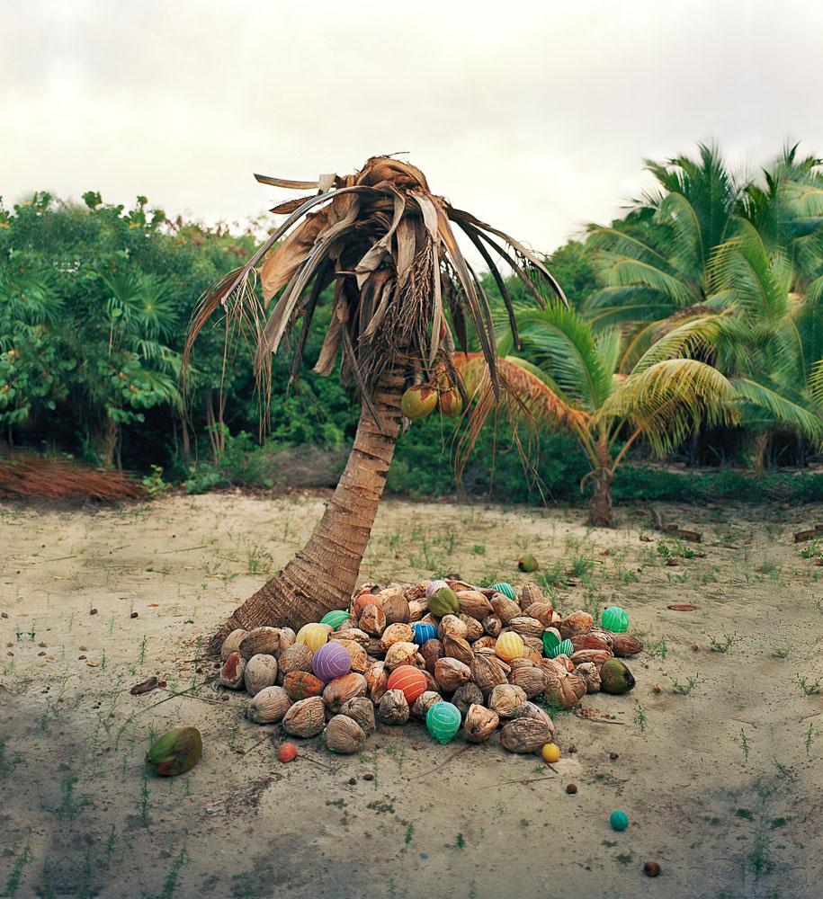 trash-installations-washed-up-alejandro-duran-24