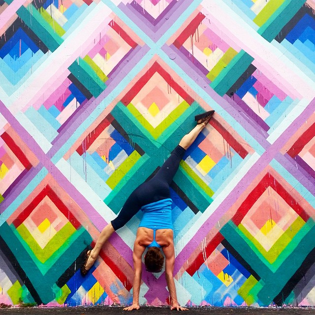 yoga-poses-street-art-graffiti-soren-buchanan-07