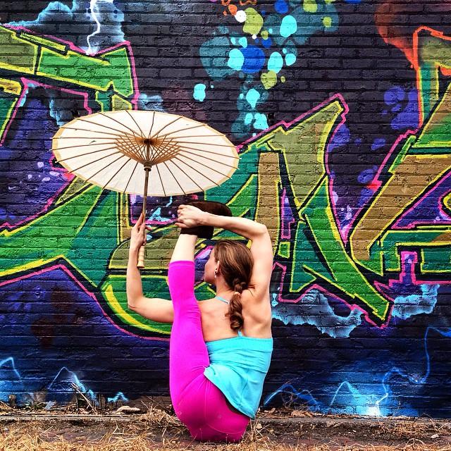 yoga-poses-street-art-graffiti-soren-buchanan-69