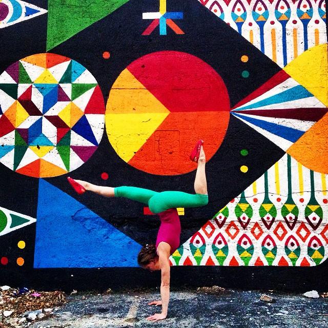 yoga-poses-street-art-graffiti-soren-buchanan-78