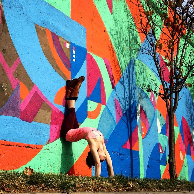yoga-poses-street-art-graffiti-soren-buchanan-86