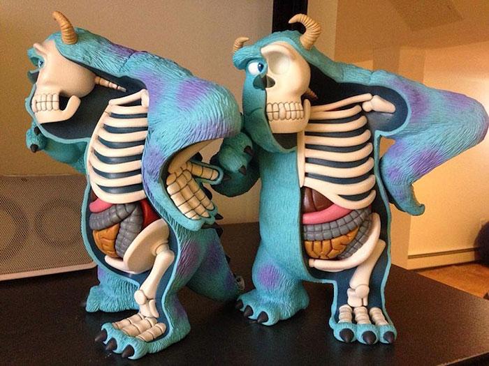 children-cartoon-toy-anatomy-bones-insides-jason-freeny-11