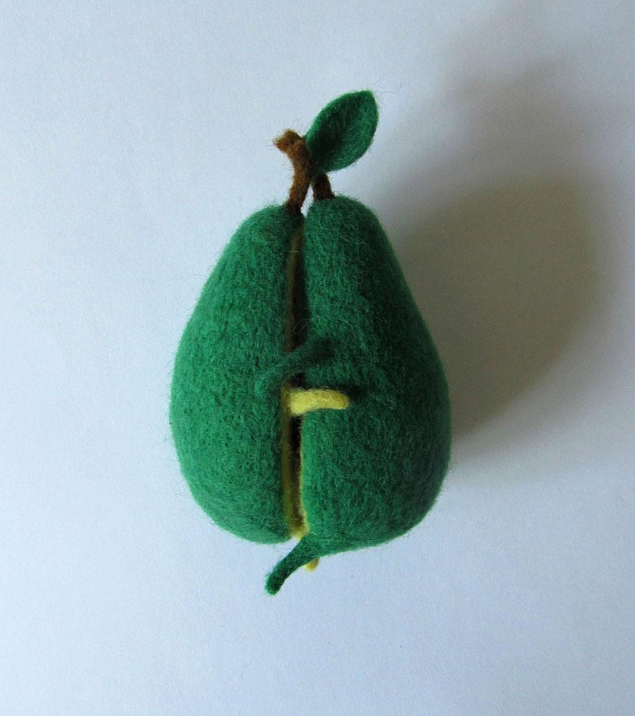 cute-felt-wool-sculpture-avocado-love-anna-dovgan-1