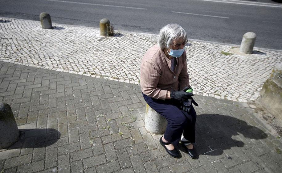 senior-paint-graffiti-street-art-lata-65-wool-lisbon-portugal-4