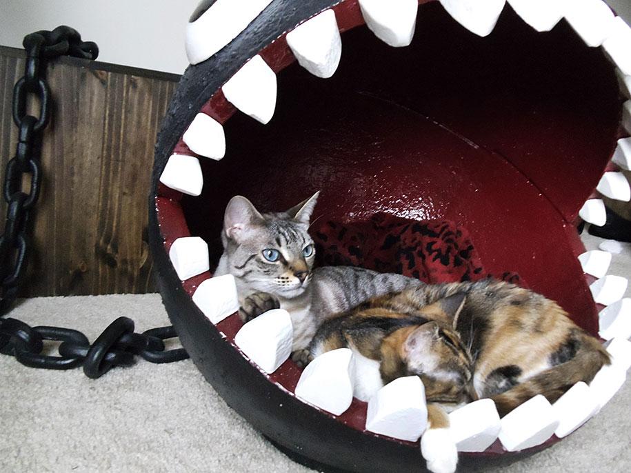 super-mario-bros-furniture-chain-chomp-cat-bed-catastrophicreations-2