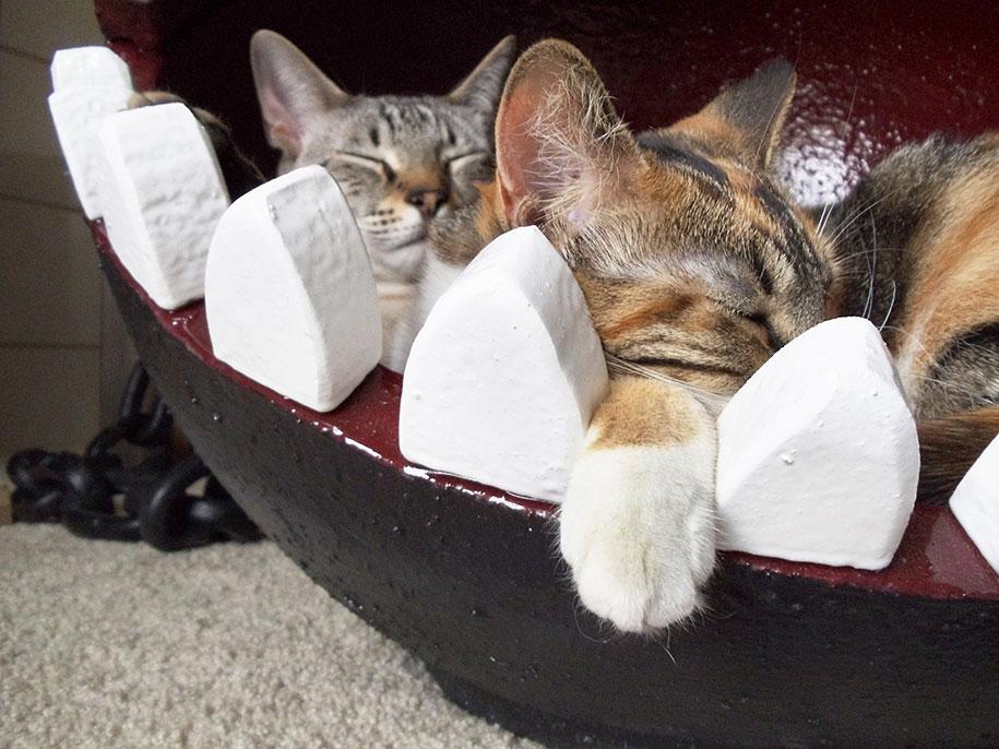super-mario-bros-furniture-chain-chomp-cat-bed-catastrophicreations-3