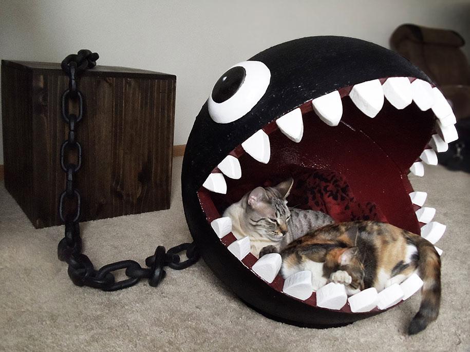 super-mario-bros-furniture-chain-chomp-cat-bed-catastrophicreations-4