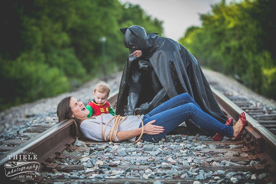 father-son-surprise-batman-robin-photoshoot-eric-thiele-10