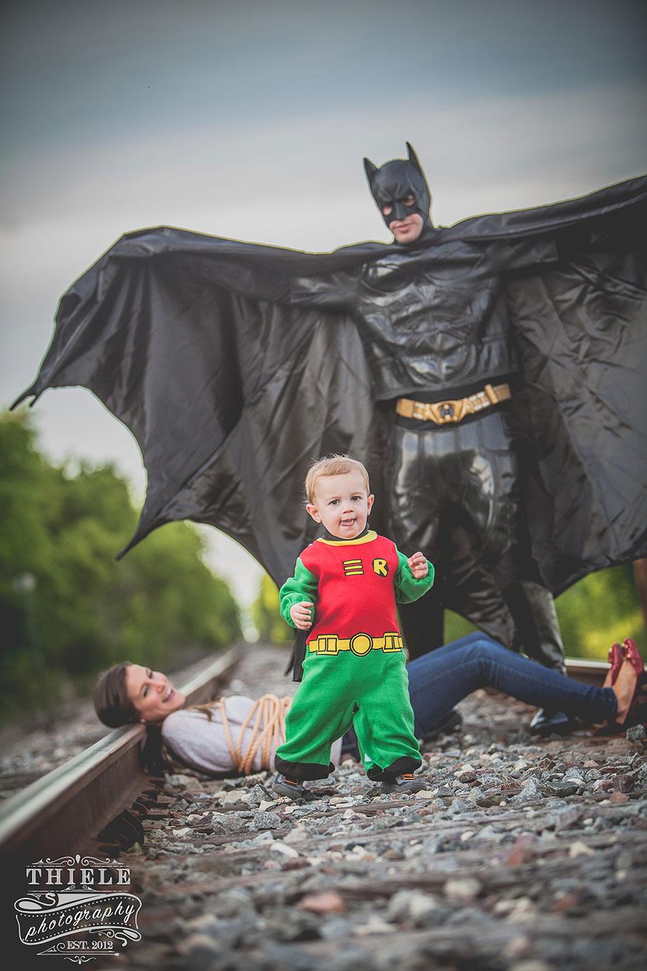 father-son-surprise-batman-robin-photoshoot-eric-thiele-13