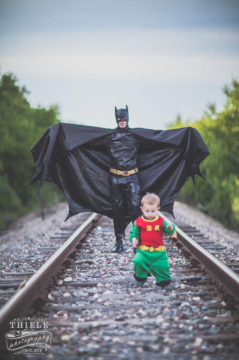 father-son-surprise-batman-robin-photoshoot-eric-thiele-19