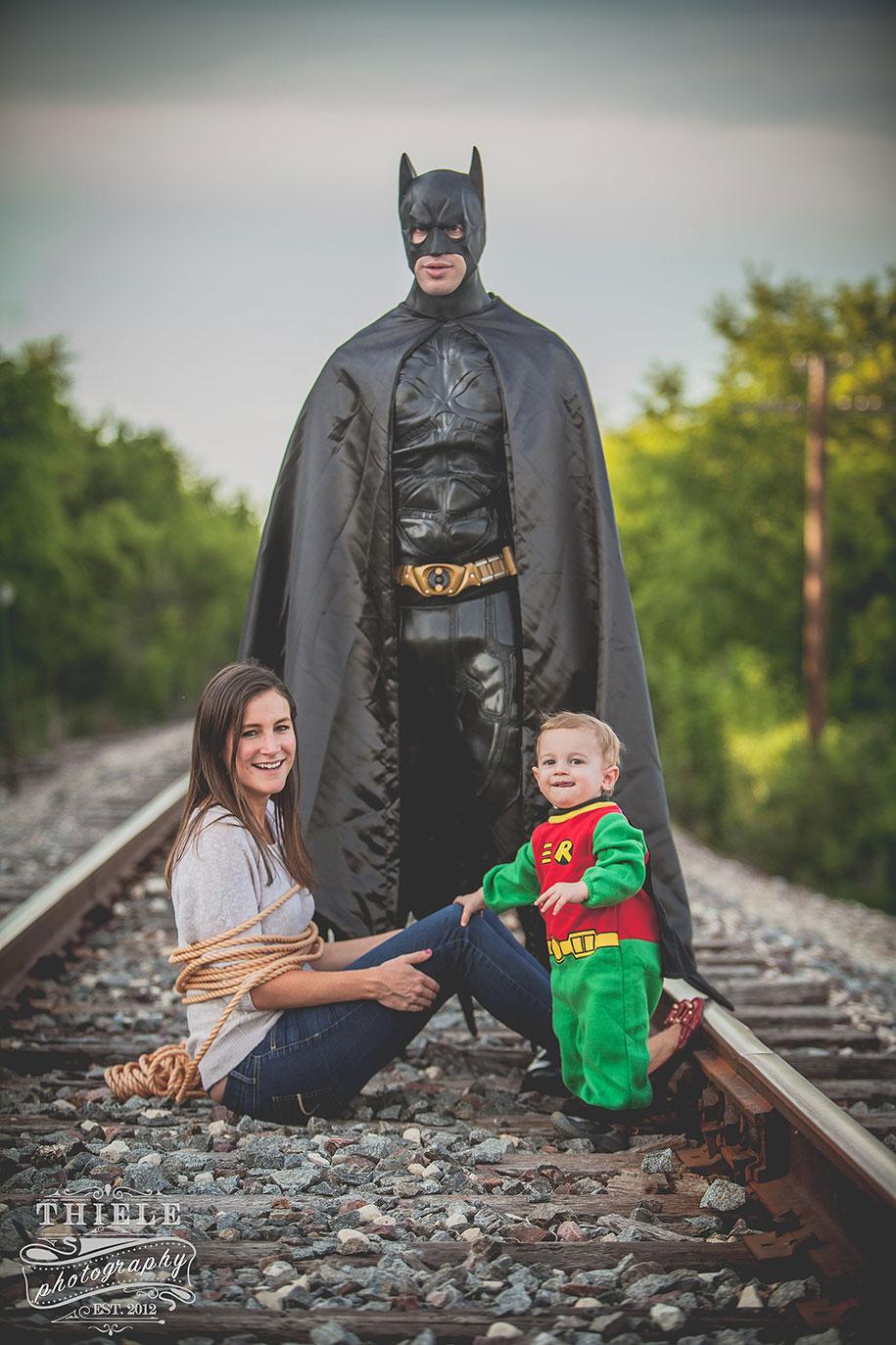 father-son-surprise-batman-robin-photoshoot-eric-thiele-2
