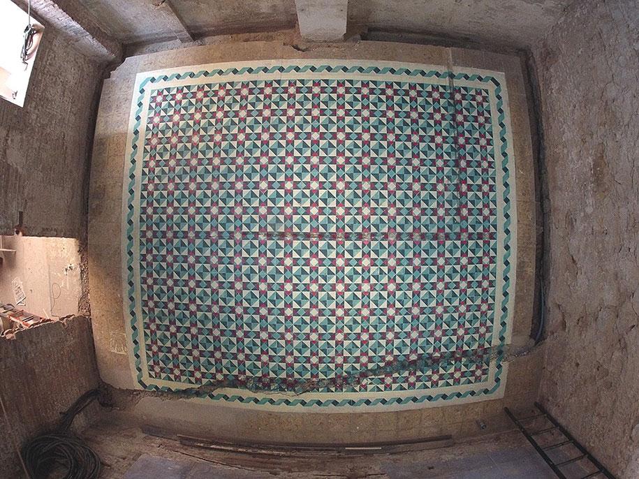 graffiti-spray-paint-tile-pattern-floor-installations-javier-de-riba-16