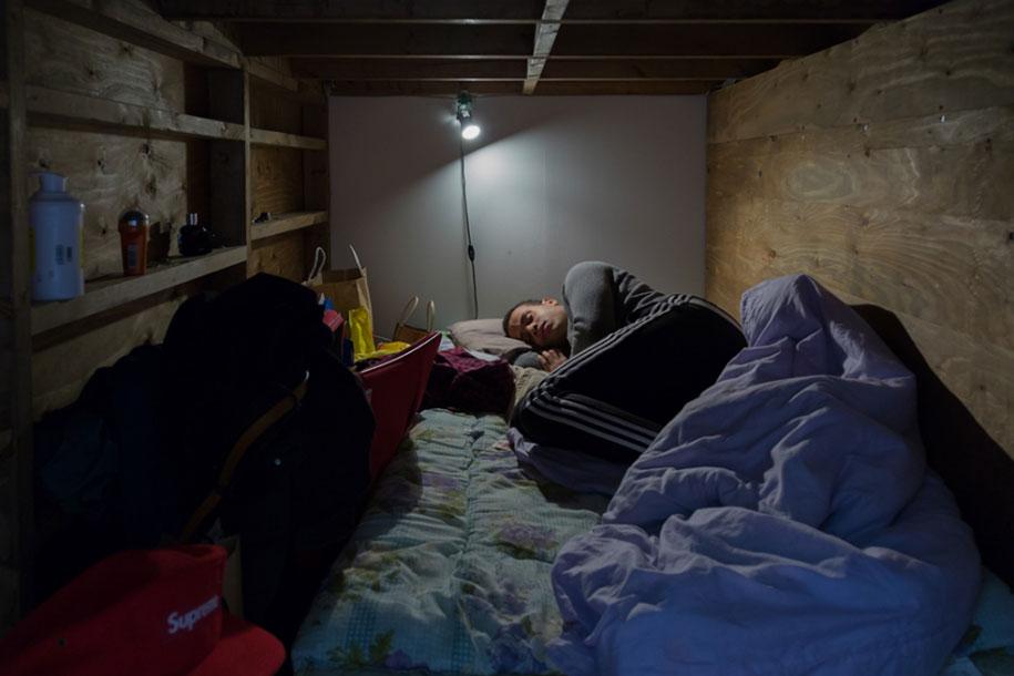 home-hotel-photography-enclosed-living-small-won-kim-japan-13