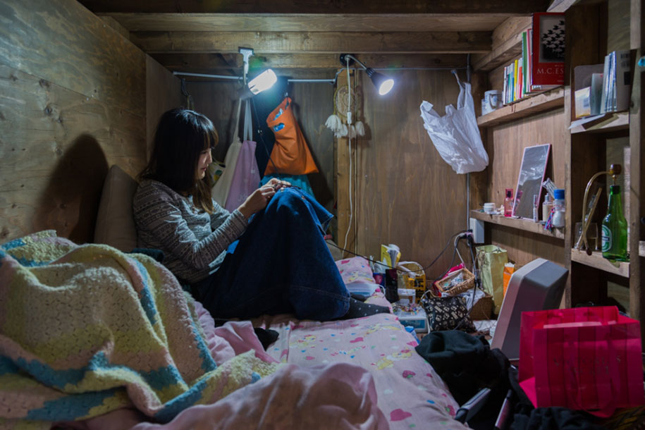 home-hotel-photography-enclosed-living-small-won-kim-japan-4