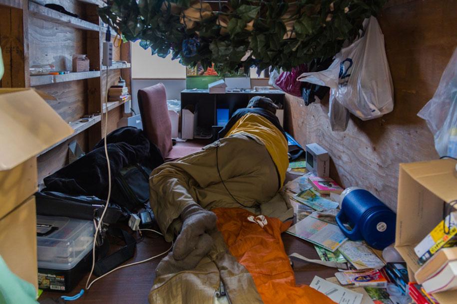 home-hotel-photography-enclosed-living-small-won-kim-japan-6