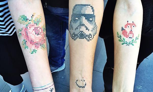 pixel-cross-stitching-tattoos-eva-krbdk-daft-art-turkey-1