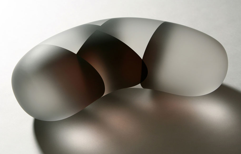 translucent-glass-sculptures-segmentation-jiyong-lee-1