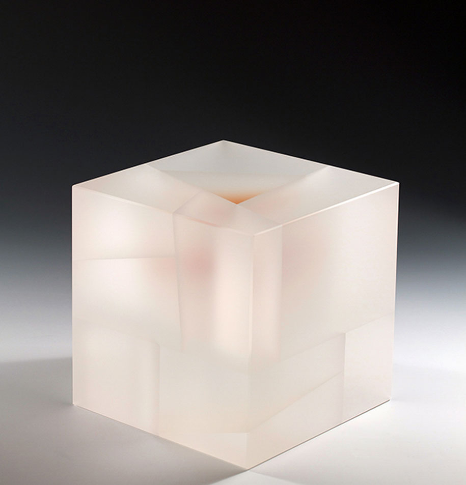 translucent-glass-sculptures-segmentation-jiyong-lee-12