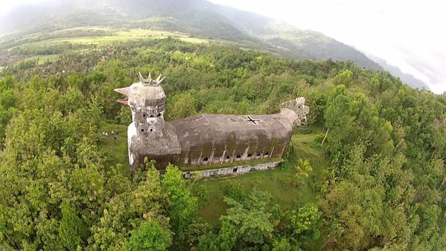 abandoned-prayer-house-jungle-chicken-church-daniel-alamsjah-indonesia-1