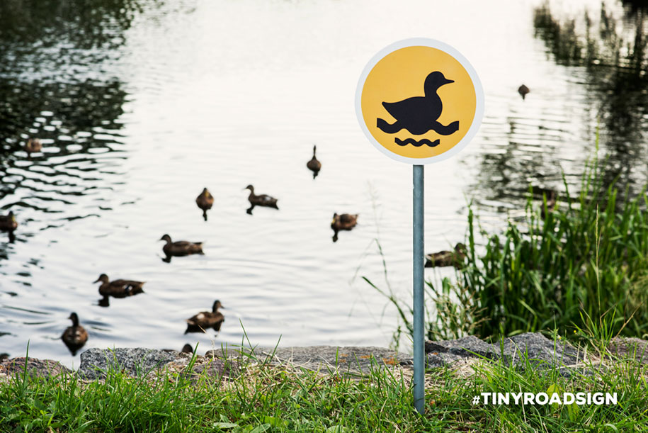 city-animal-crossing-signs-tiny-roadsign-clinic212-4