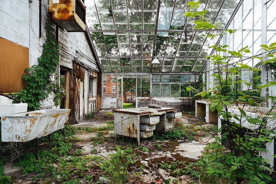 abandoned-mental-hospitals-asylums-jeremy-harris-27