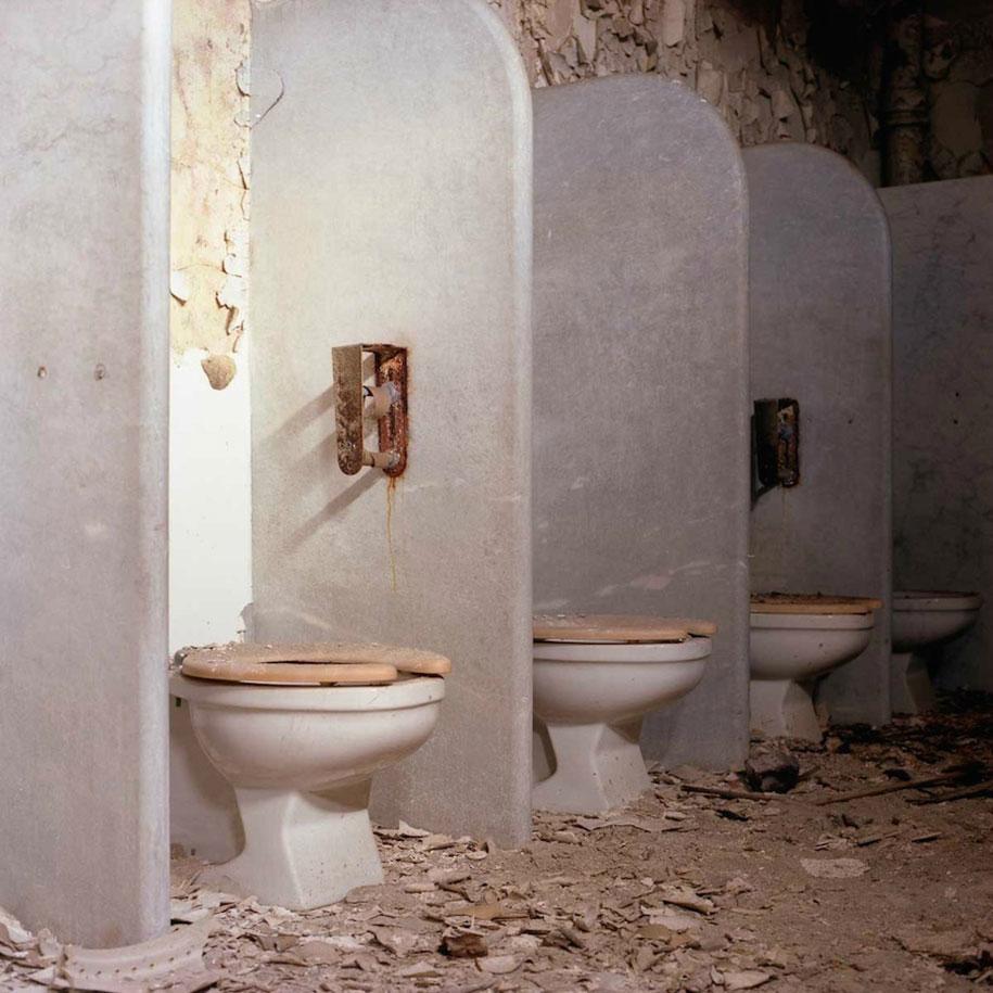 abandoned-mental-hospitals-asylums-jeremy-harris-32