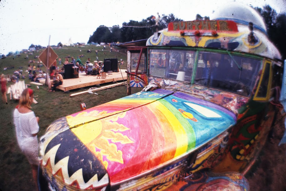 crazy-things-woodstock-festival-photography-1