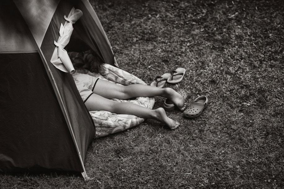 idyllic-summers-village-children-play-summertime-izabela-urbaniak-3