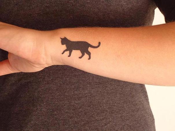 minimalist-animal-cat-tattoos-6