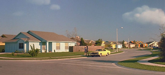 movie-locations-edward-scissorhands-suburb-now-then-pictures-voodrew-1