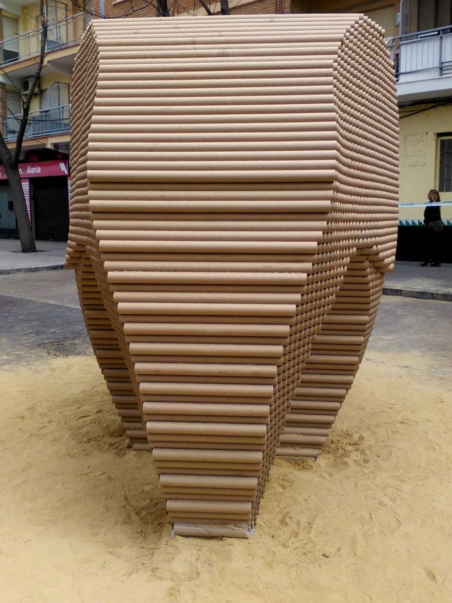 recycled-cardboard-tubes-elephant-dreams-weight-nituniyo-spain-1