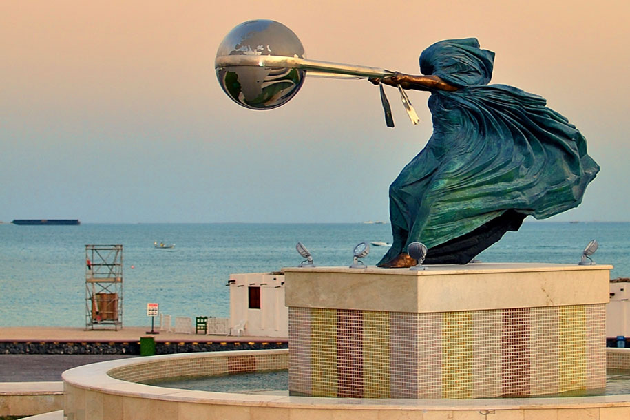 statue-mother-nature-rotates-earth-force-nature-lorenzo-quinn-2
