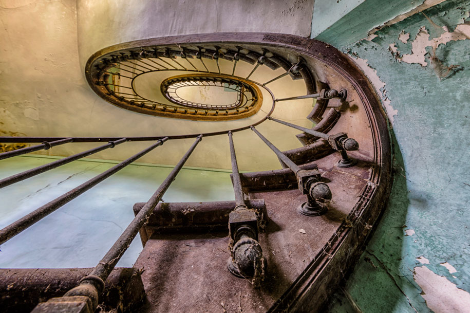abandoned-decaying-buildings-europe-photography-christian-richter-16