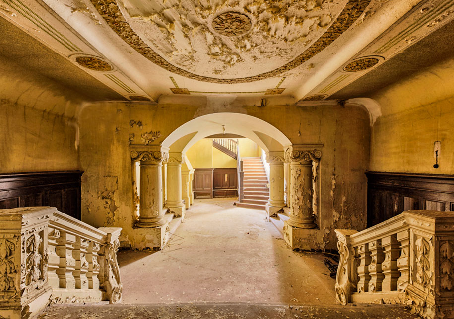abandoned-decaying-buildings-europe-photography-christian-richter-2