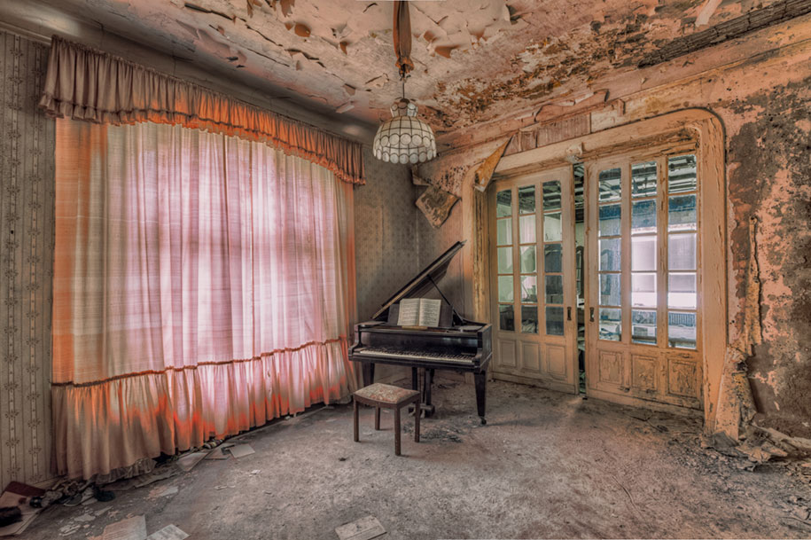 abandoned-decaying-buildings-europe-photography-christian-richter-22