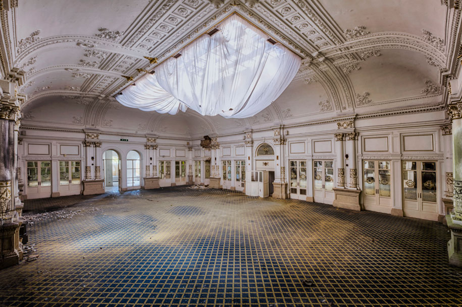 abandoned-decaying-buildings-europe-photography-christian-richter-26
