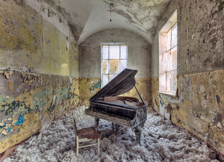 abandoned-decaying-buildings-europe-photography-christian-richter-3