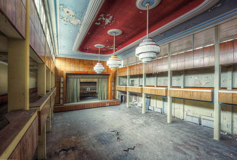 abandoned-decaying-buildings-europe-photography-christian-richter-5