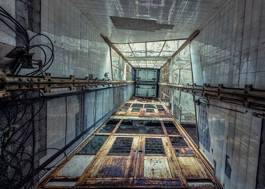 abandoned-decaying-buildings-europe-photography-christian-richter-6