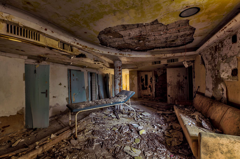 abandoned-decaying-buildings-europe-photography-christian-richter-8