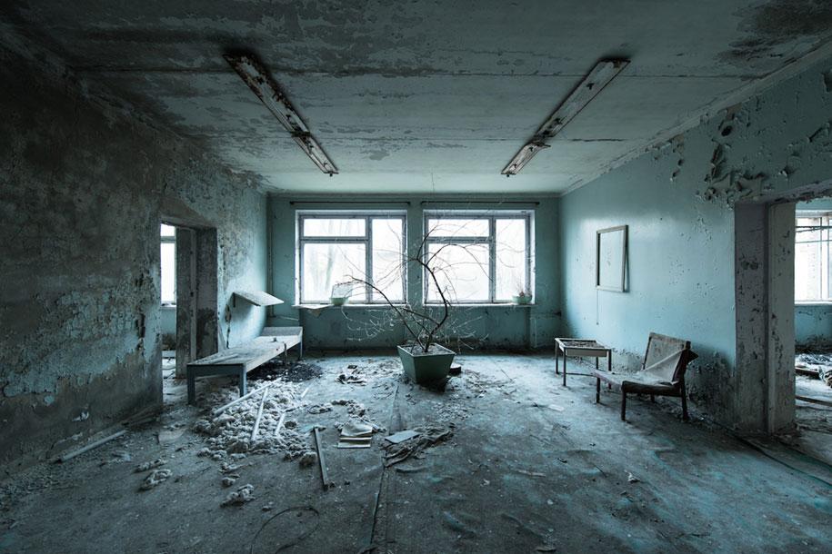 cold-war-soviet-ruins-photographs-abandoned-places-david-de-rueda-2