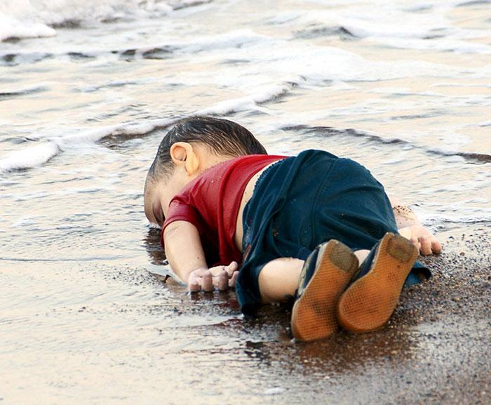 drowned-syrian-refugee-boy-artist-response-aylan-kurdi-12
