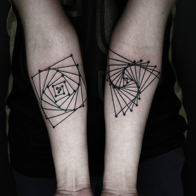 line-dot-black-white-animal-geometric-tattoos-okan-uckun-turkey-16