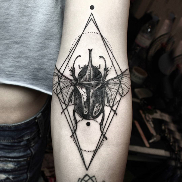 line-dot-black-white-animal-geometric-tattoos-okan-uckun-turkey-18